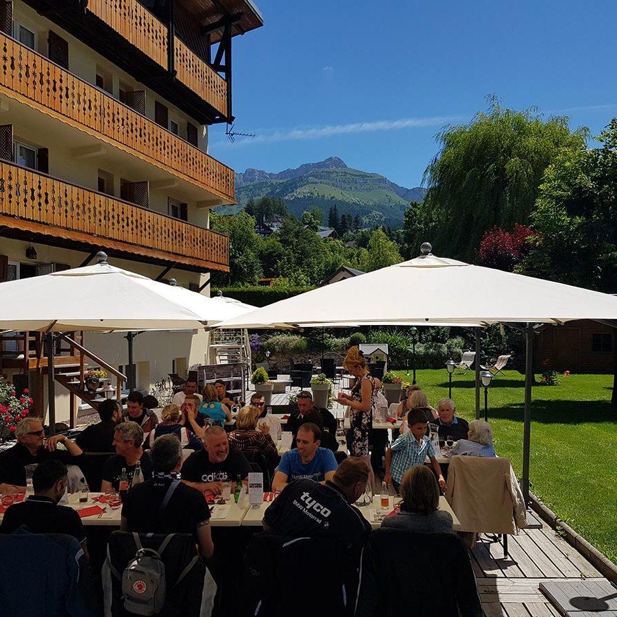 la-doline-terras-restaurant-roseraie